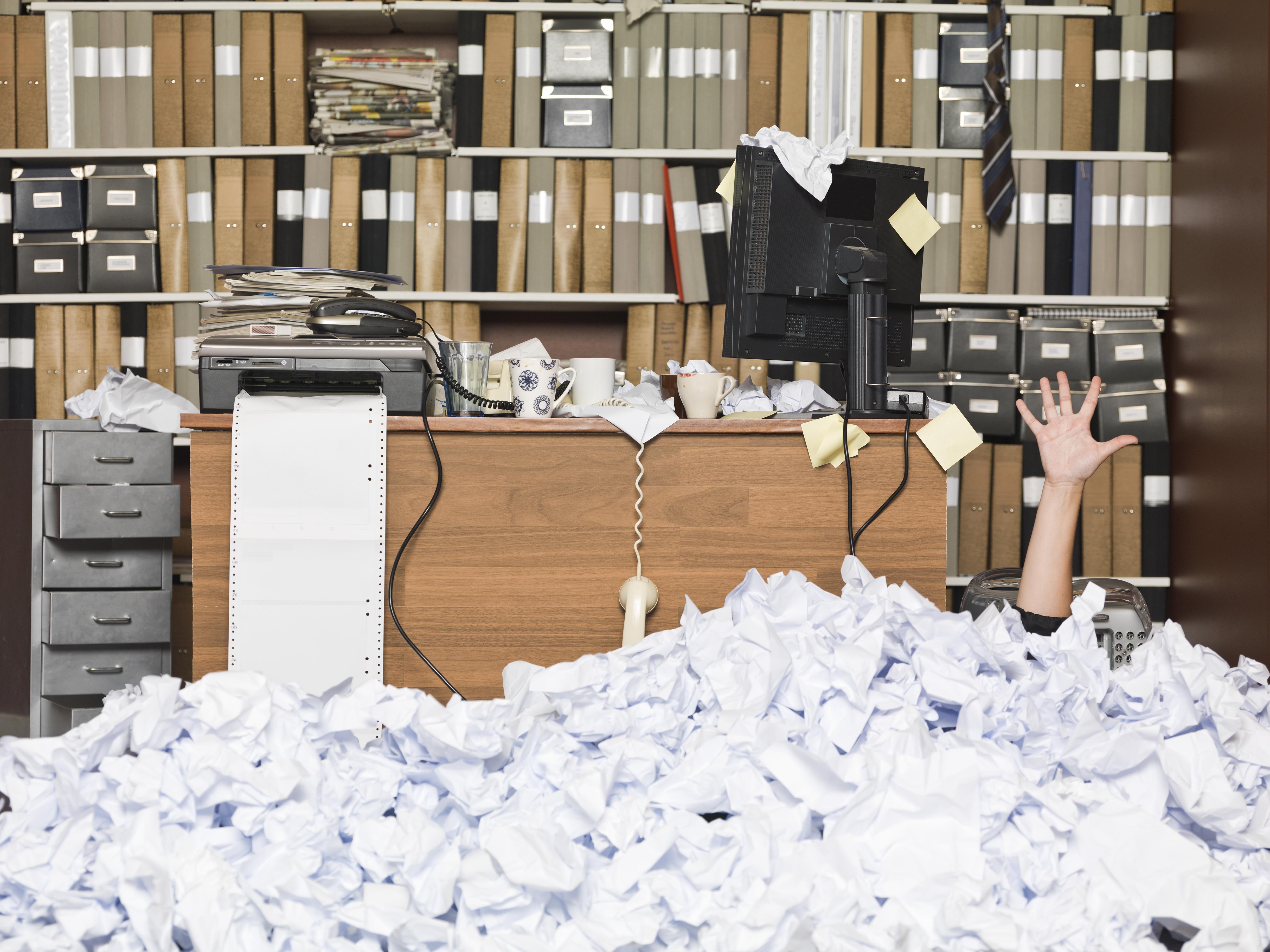 Disordine In Ufficio.Ufficio Disordinato Fai Un Decluttering Magazzini